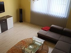Debrecen, Nyék utca - Sunny house is for rent on Nyék utca